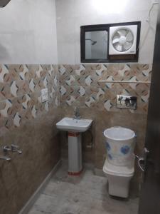 Bathroom Image of Vohra in Tagore Garden Extension