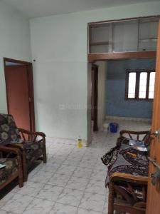 Gallery Cover Image of 860 Sq.ft 2 BHK Apartment for rent in Gayathri Apartment, Cherlapalli for 7000