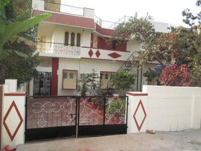 Gallery Cover Image of 2400 Sq.ft 3 BHK Independent House for rent in Munnekollal for 18000