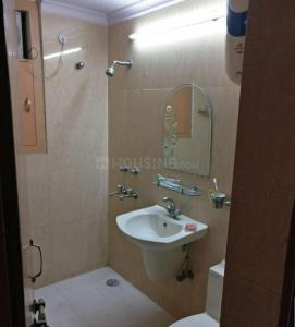 Gallery Cover Image of 1600 Sq.ft 3 BHK Apartment for rent in Sector 11 Dwarka for 36000
