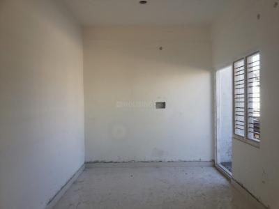 Gallery Cover Image of 1000 Sq.ft 2 BHK Apartment for rent in Murugeshpalya for 20000