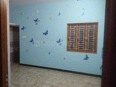 नेरुप्पेरिचाल  में 6000000  खरीदें  के लिए 6000000 Sq.ft 2 BHK इंडिपेंडेंट हाउस के लिविंग रूम  की तस्वीर
