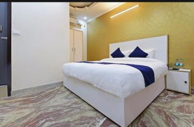 Gallery Cover Image of 130 Sq.ft 1 R Apartment for rent in Sector 22 for 14000