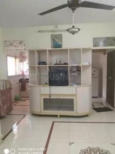 Gallery Cover Image of 650 Sq.ft 2 BHK Apartment for rent in Dheeraj Arcade, Bandra West for 70000