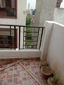 Gallery Cover Image of 424 Sq.ft 1 BHK Apartment for buy in Yusufpur Manota for 2400000