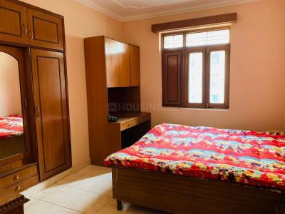 Gallery Cover Image of 1800 Sq.ft 3 BHK Independent Floor for rent in Sector 52 for 46000