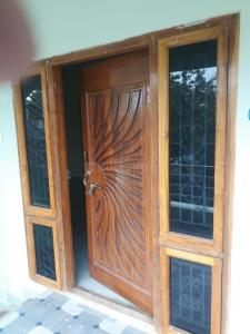 Gallery Cover Image of 1500 Sq.ft 3 BHK Apartment for rent in Morampudi for 13500