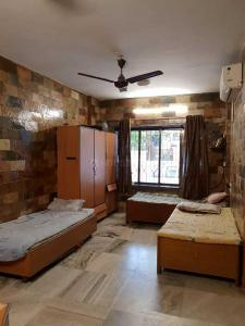 Gallery Cover Image of 780 Sq.ft 2 BHK Apartment for rent in Andheri East for 6000