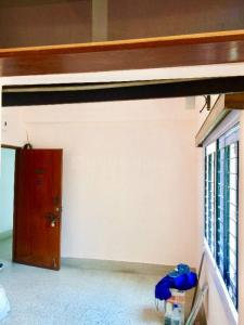 Gallery Cover Image of 975 Sq.ft 2 BHK Apartment for rent in Alipore for 17000