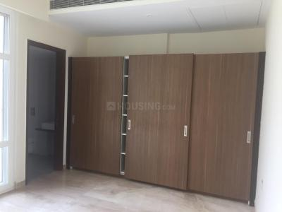 Gallery Cover Image of 2500 Sq.ft 3 BHK Apartment for rent in Mahagun Mezzaria, Sector 78 for 42000