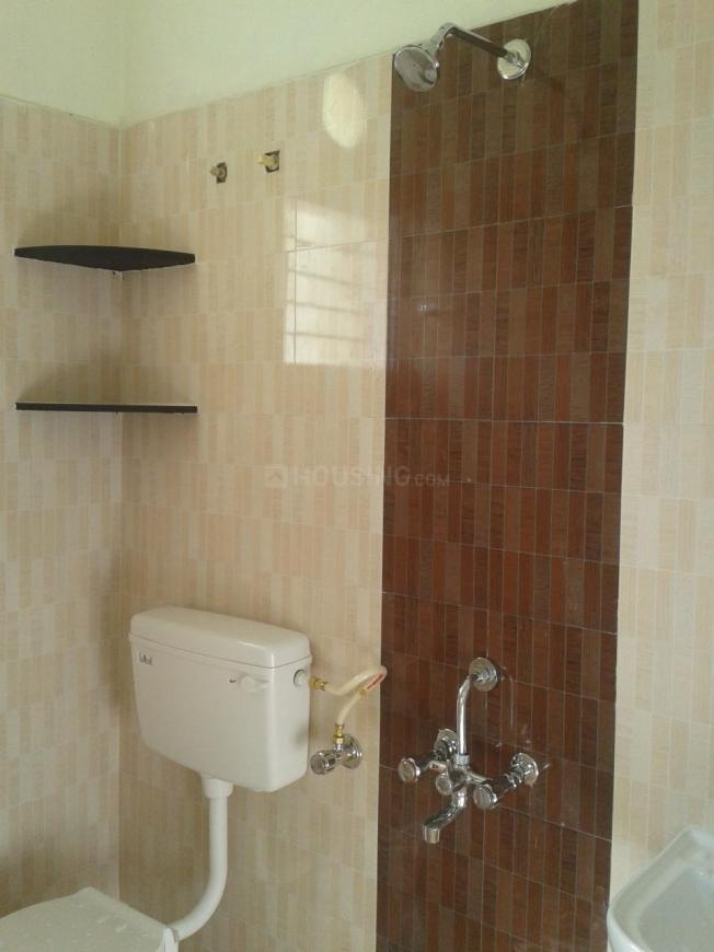 Common Bathroom Image of 1155 Sq.ft 3 BHK Independent Floor for buy in Maraimalai Nagar for 4200000