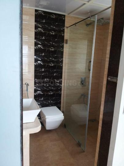 वरली में पीजी के बाथरूम की तस्वीर