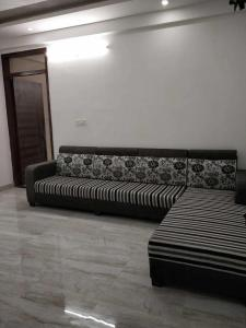Gallery Cover Image of 1100 Sq.ft 2 BHK Apartment for buy in Vaishali Nagar for 2251000