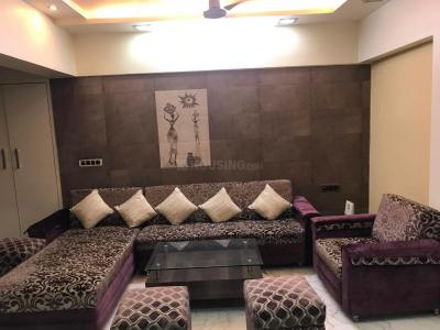 Gallery Cover Image of 1500 Sq.ft 3 BHK Apartment for rent in Kandivali West for 45000