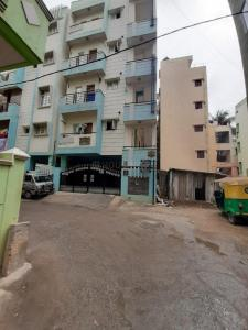 Gallery Cover Image of 15000 Sq.ft 8 BHK Independent House for buy in Koramangala for 19500000
