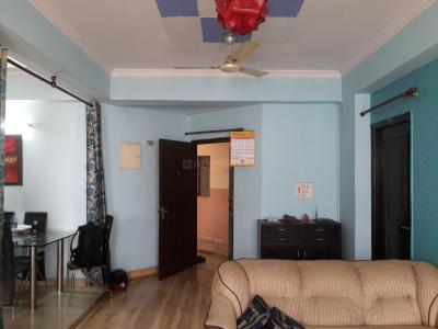 Gallery Cover Image of 1800 Sq.ft 3 BHK Apartment for rent in Amrapali Royal, Vaibhav Khand for 30000