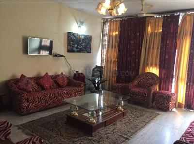 Gallery Cover Image of 2250 Sq.ft 3 BHK Independent Floor for rent in East Of Kailash for 59000