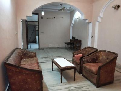 Gallery Cover Image of 1100 Sq.ft 3 BHK Apartment for buy in Mukherjee Nagar for 7000000