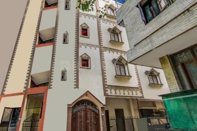 Building Image of Oyo Life Del2089 Rajouri Garden in Ramesh Nagar