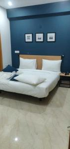 Bedroom Image of Khushal Residency in Chhattarpur