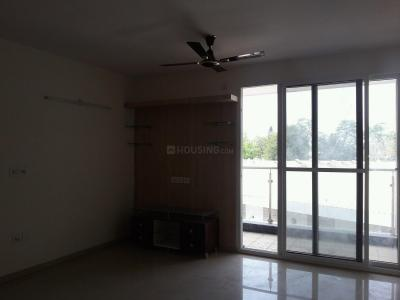 Gallery Cover Image of 1500 Sq.ft 3 BHK Apartment for rent in Adugodi for 45000