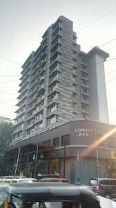 Gallery Cover Image of 1808 Sq.ft 3 BHK Apartment for buy in Khar West for 59100000