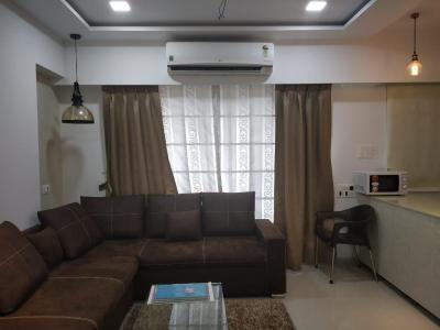 Gallery Cover Image of 1100 Sq.ft 2 BHK Apartment for buy in Padmavati Towers, Santacruz East for 18500000