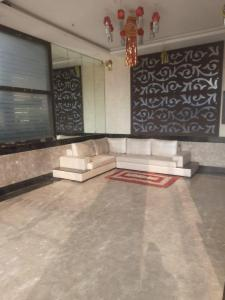 Gallery Cover Image of 1200 Sq.ft 3 BHK Apartment for rent in Kamla RBI Sahayog, Borivali West for 39000