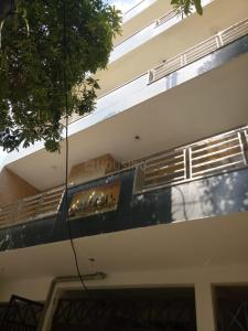 Gallery Cover Image of 2100 Sq.ft 4 BHK Independent Floor for buy in Govindpuram for 8800000