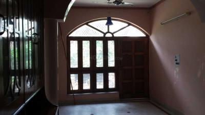Gallery Cover Image of 1200 Sq.ft 2 BHK Independent House for rent in Gamma II Greater Noida for 11000