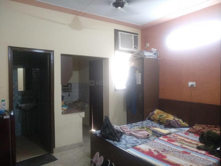 सेक्टर 17 में प्रयाग पीजी के बेडरूम की तस्वीर