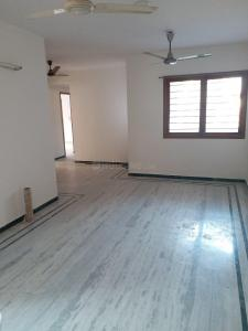 Gallery Cover Image of 2000 Sq.ft 3 BHK Apartment for rent in Satellite for 20000