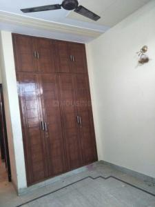 Gallery Cover Image of 1350 Sq.ft 2 BHK Independent Floor for rent in DLF Shivaji Park, Punjabi Bagh for 25000