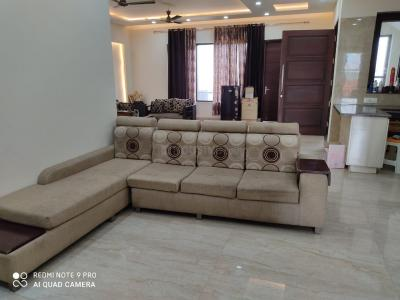 Gallery Cover Image of 1800 Sq.ft 3 BHK Independent Floor for buy in Sector 67 for 12500000