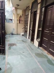 Gallery Cover Image of 900 Sq.ft 2 BHK Independent House for rent in DLF Phase 3 for 28000