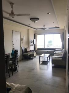 Gallery Cover Image of 950 Sq.ft 2 BHK Apartment for rent in Juhu for 100000