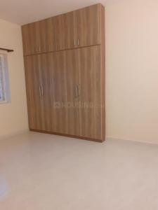 Gallery Cover Image of 2802 Sq.ft 4 BHK Apartment for rent in Kala Apartment, Thiruvanmiyur for 90000