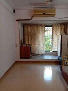 Gallery Cover Image of 585 Sq.ft 1 BHK Apartment for buy in Malad West for 9600000