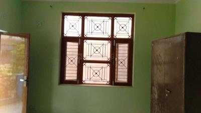 Gallery Cover Image of 500 Sq.ft 1 RK Independent Floor for rent in Sector 43 for 7000