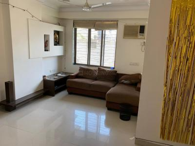 Gallery Cover Image of 780 Sq.ft 2 BHK Apartment for rent in Supreme Pearl, Khar West for 85000
