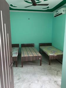 Gallery Cover Image of 150 Sq.ft 1 BHK Apartment for rent in Sector 11 for 7000
