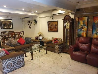 Gallery Cover Image of 4000 Sq.ft 5 BHK Independent House for rent in Andheri West for 300000