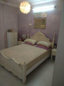 Gallery Cover Image of 300 Sq.ft 1 RK Apartment for rent in Colaba for 55000