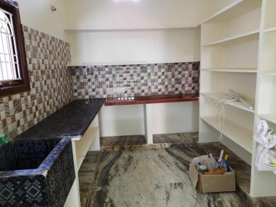 Gallery Cover Image of 900 Sq.ft 2 BHK Independent Floor for rent in Mudichur for 8000