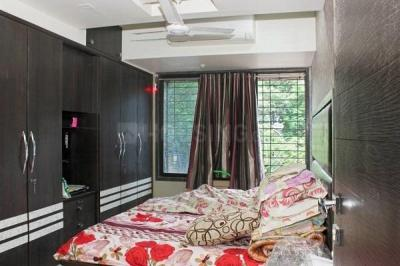 Gallery Cover Image of 1080 Sq.ft 2 BHK Apartment for rent in Kandivali East for 40000