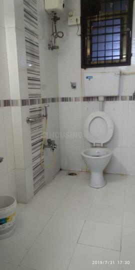 Common Bathroom Image of PG Bhandup in Powai