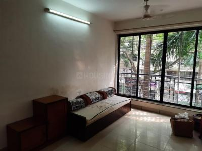 Gallery Cover Image of 595 Sq.ft 1 BHK Apartment for rent in Thakur Gayatri Satsang, Kandivali East for 27000