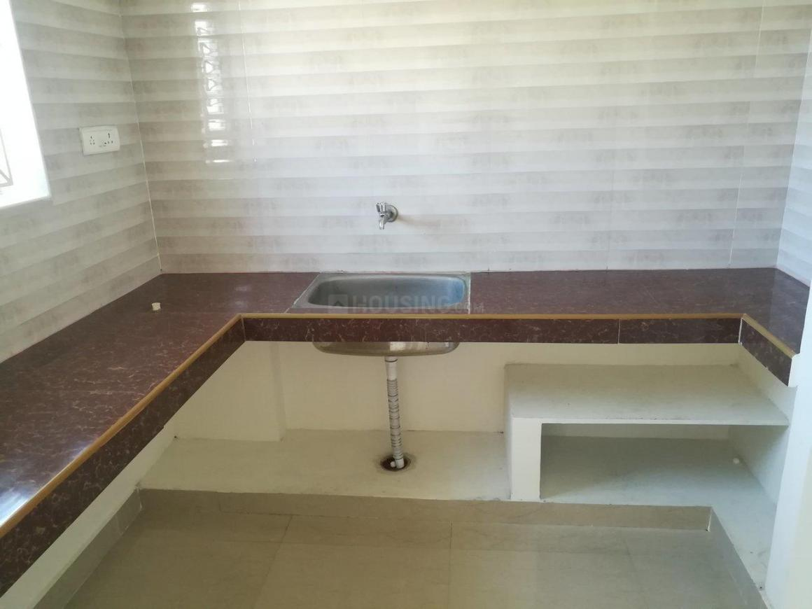 Kitchen Image of 700 Sq.ft 1 BHK Apartment for rent in Perungalathur for 7500
