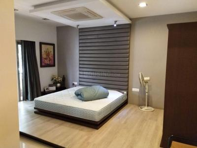 Gallery Cover Image of 8000 Sq.ft 5 BHK Apartment for rent in DLF Phase 3 for 300000
