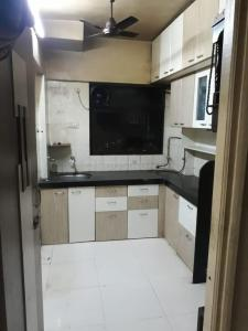 Gallery Cover Image of 575 Sq.ft 1 BHK Apartment for rent in Pariwar CHS, Kanjurmarg East for 25000